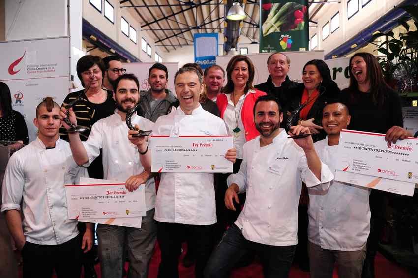 Spanien / Costa Blanca:  Koch aus Valencia als Sieger des Kochwettbewerbs in Denia