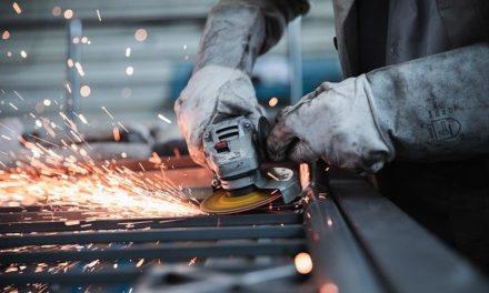 Industrie bleibt auf Erholungskurs