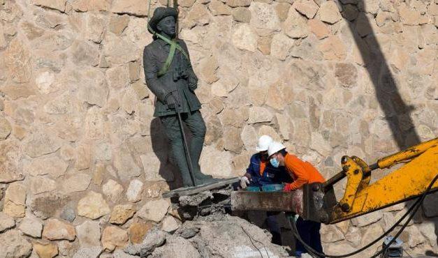 Letzte Franco-Statue aus der Öffentlichkeit entfernt